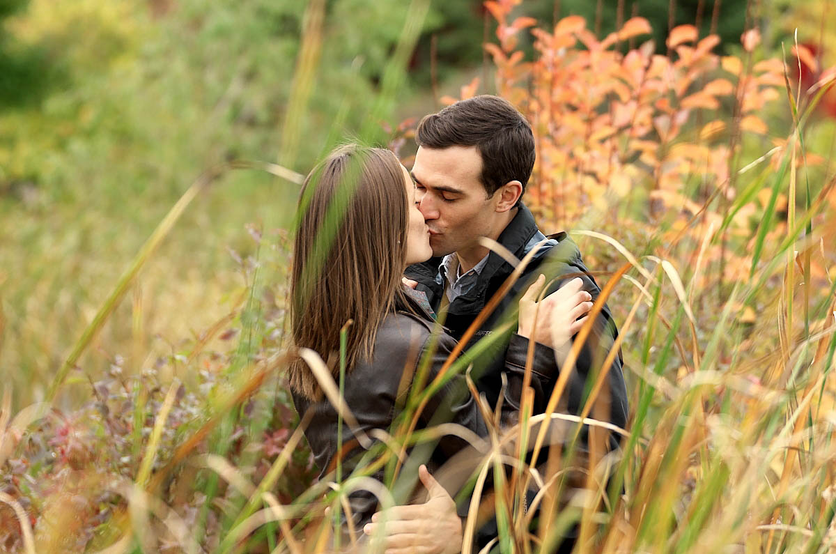 blue mountain village photographer collingwood photographer blue mountain engagement fall