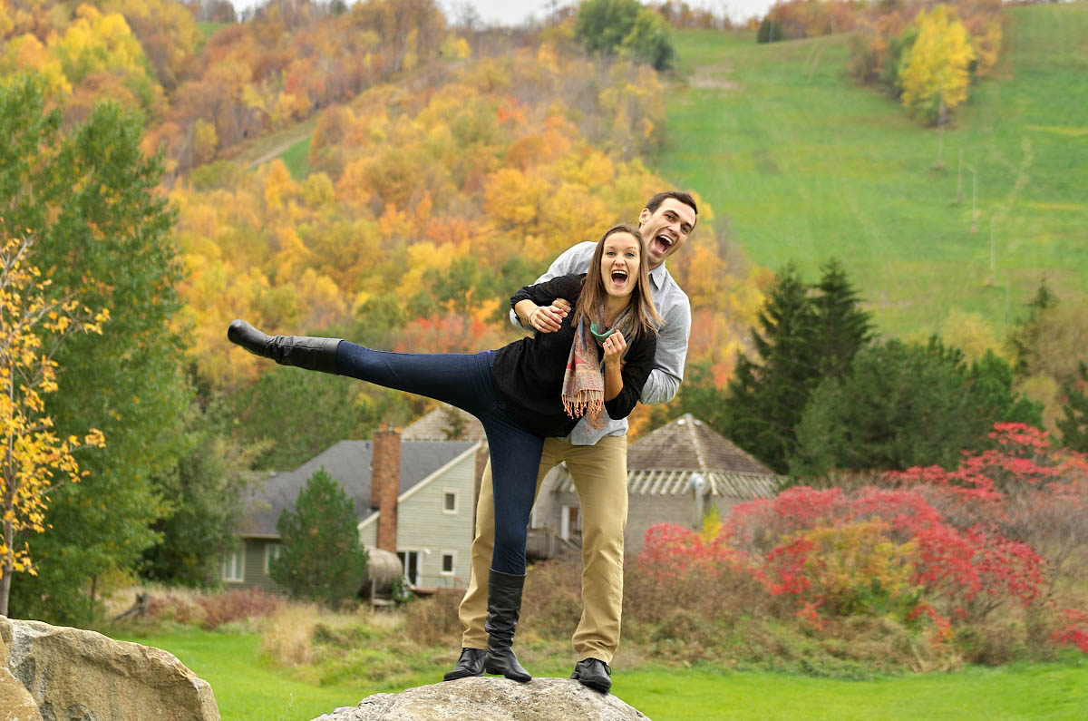 fall at blue mountain collingwood photographer blue mountain village photographer collingwood photographer blue mountain engagement fall