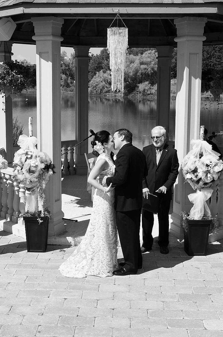 the wedding kiss at royal ambassador wedding ceremony