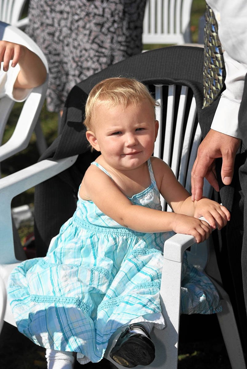 young guests at viamede resort wedding ceremony