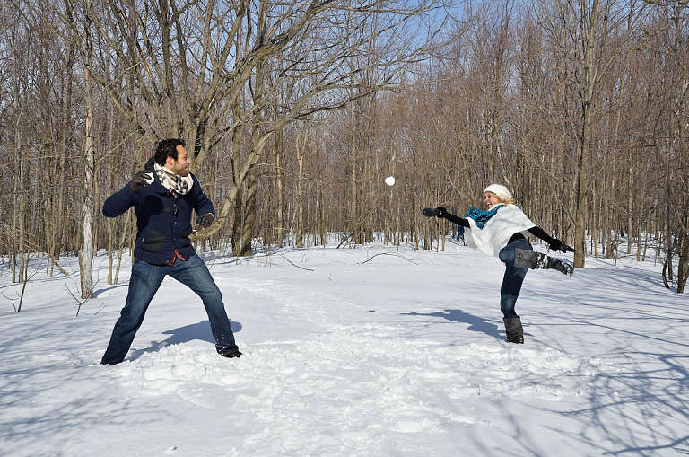 snowball fight engagement photography