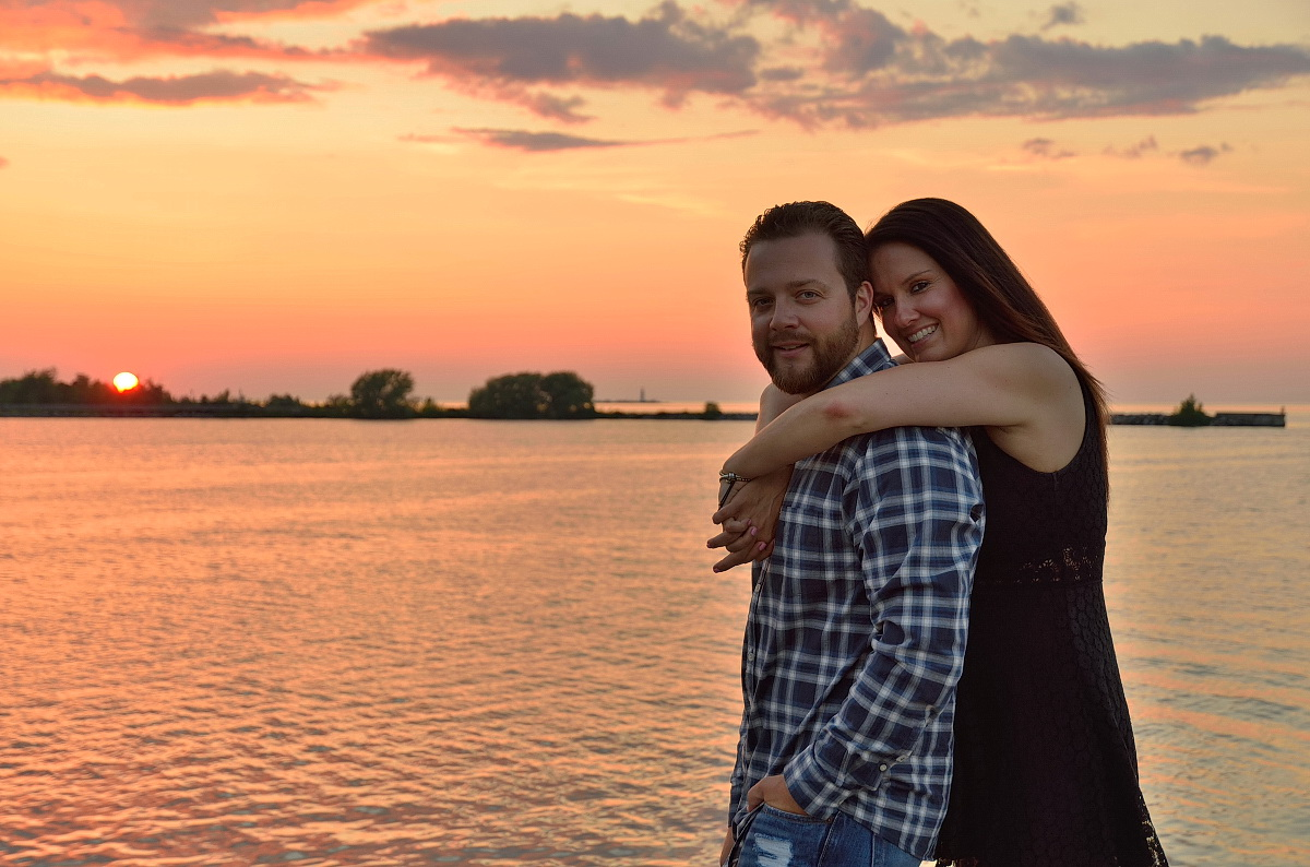 sunset engagement photography in collingwood