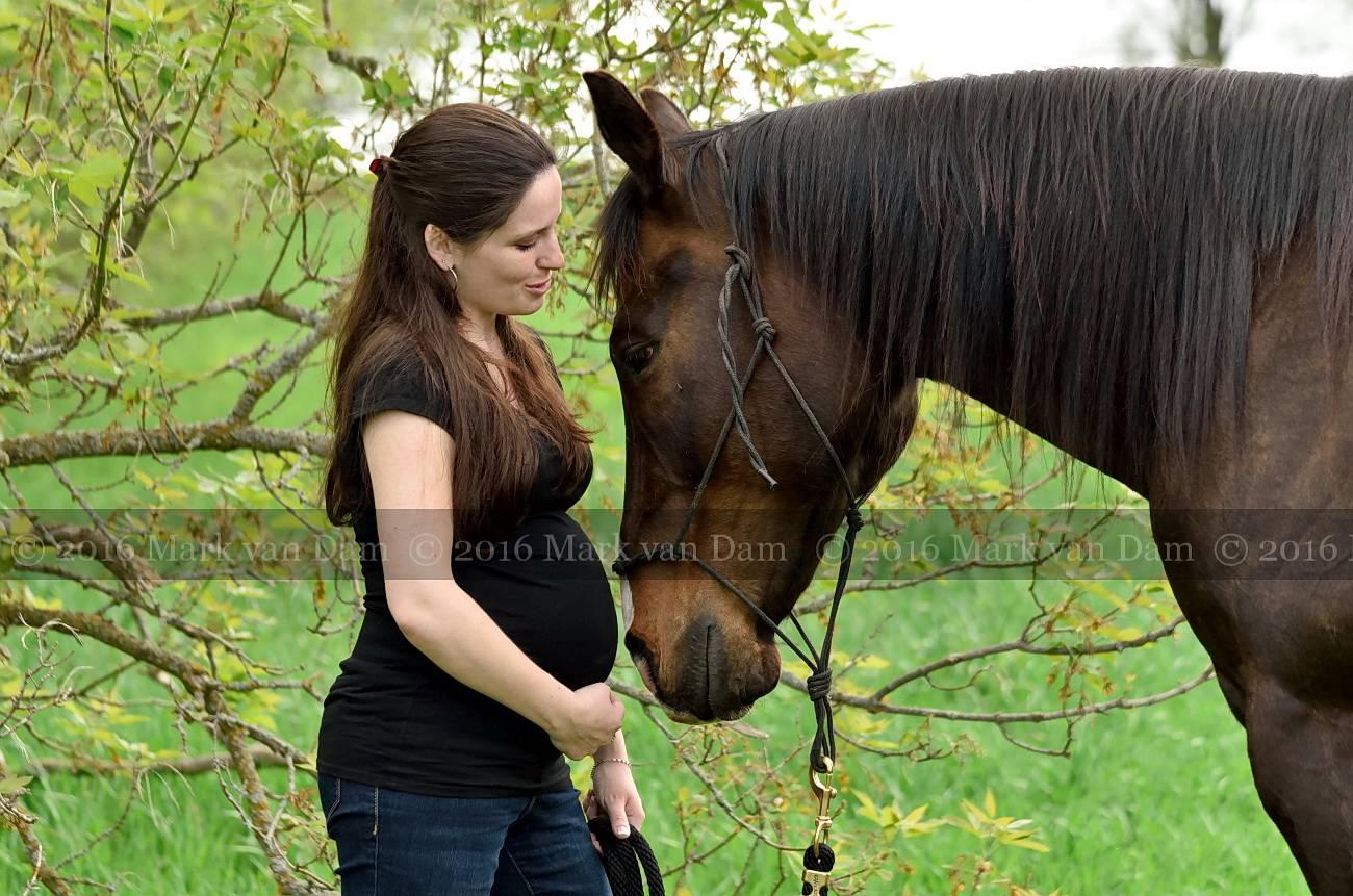 barrie maternity photographer collingwood maternity waaga maternity A212