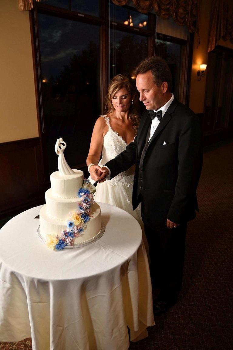 Cake cutting at Club at Bond Head wedding