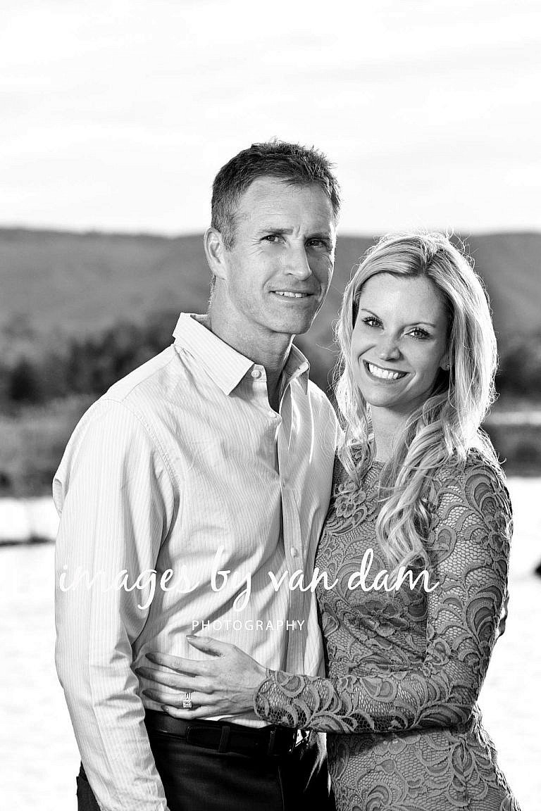 Couple Photography in Front of Blue Mountains collingwood photographer collingwood portraits