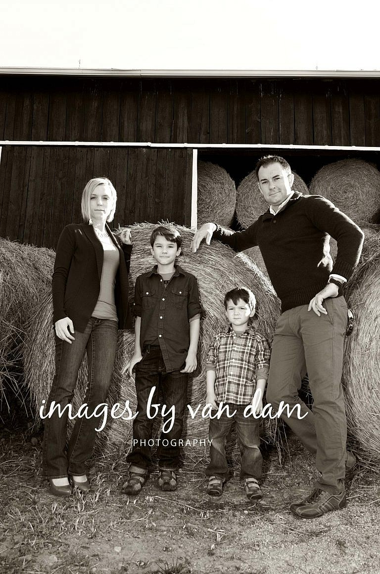stayner photographer barrie photographer family portraits wasaga photographer collingwood photographer