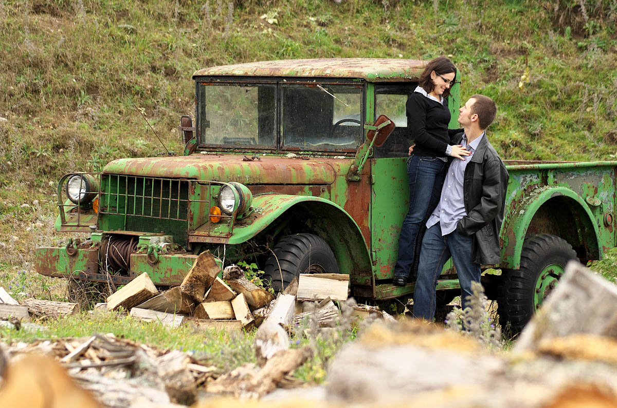 peterboorugh photographer engagement session with antique truck