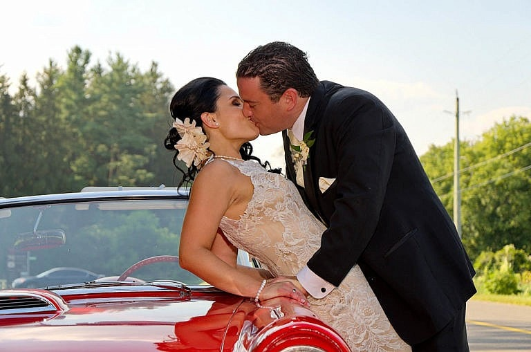 wedding couple with vintage car at caledon wedding