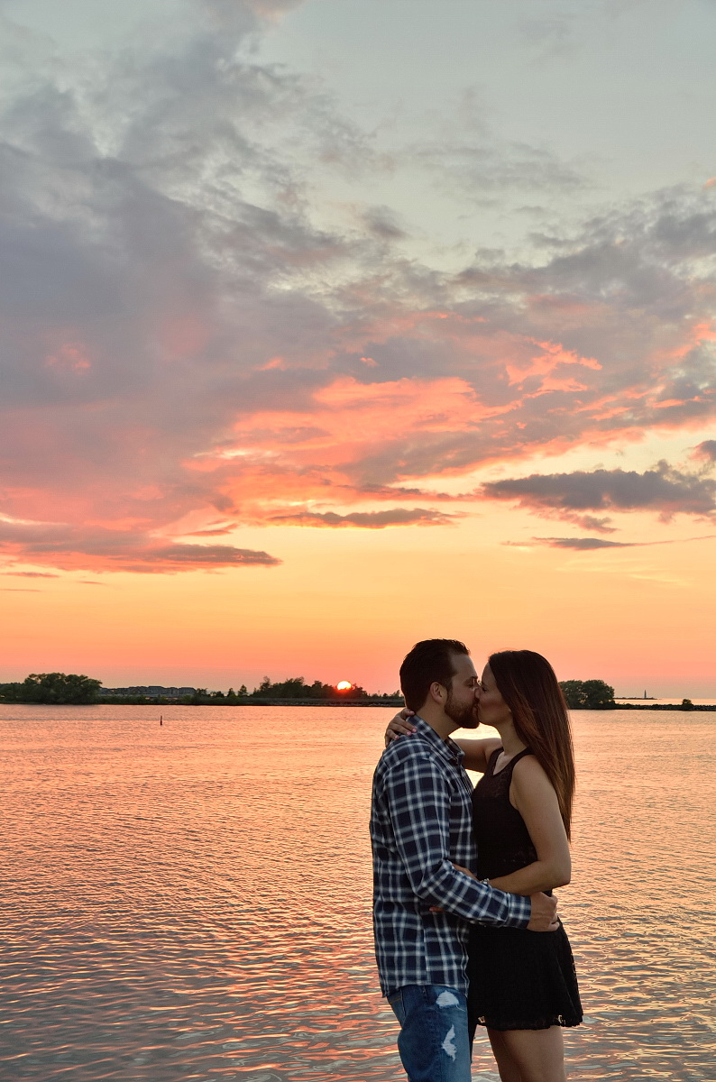 Couple enjoys Sunset at the Shipyards in Collingwood