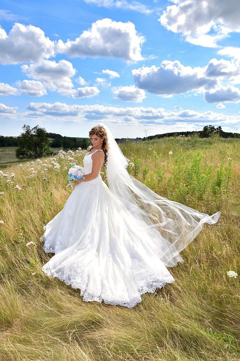 beautiful bride on hill at the Club at Bond Head
