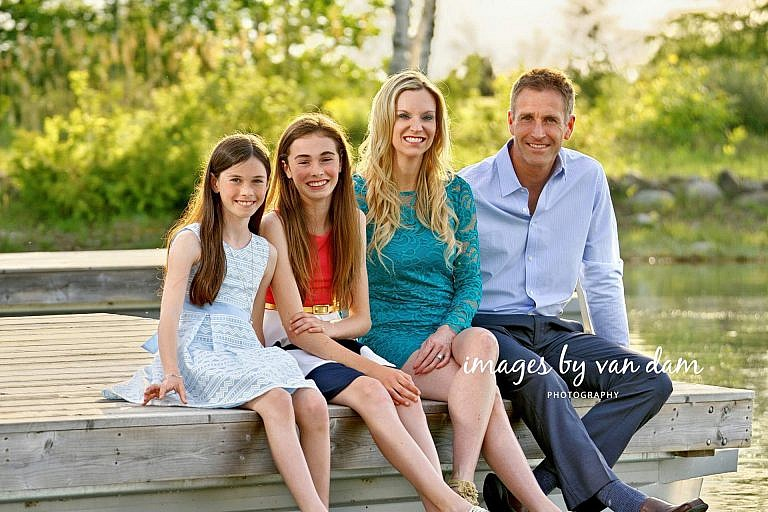 collingwood photographer collingwood portraits stylish family on dock