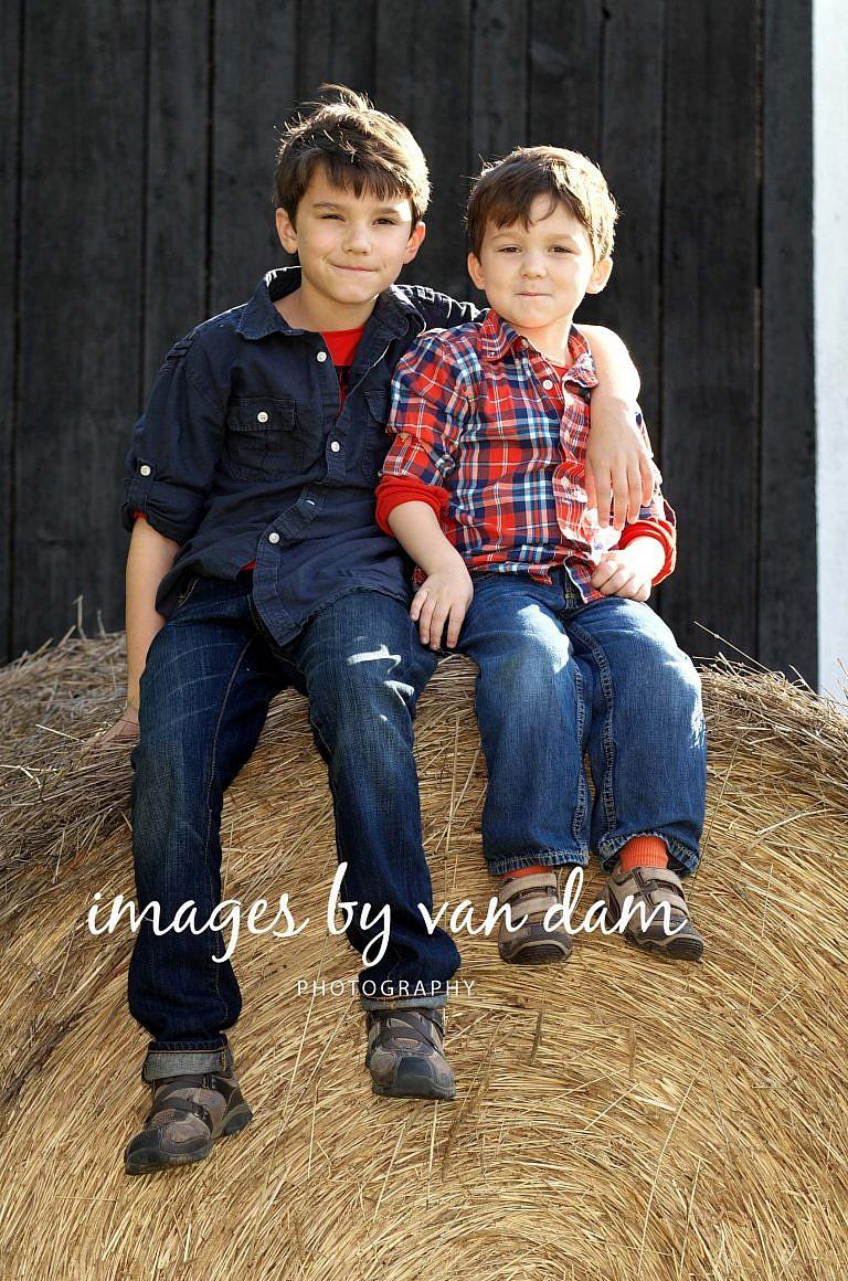 stayner photographer barrie photographer family portraits wasaga photographer collingwood photographer