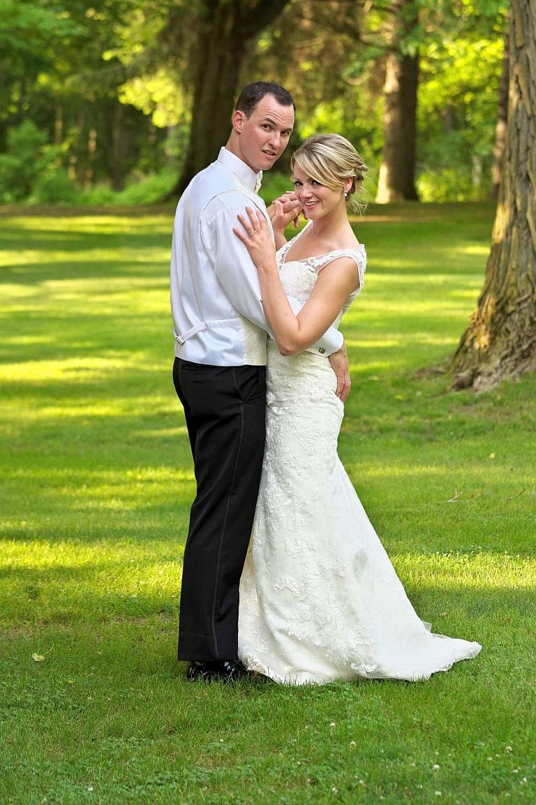 port hope photographer captures penryn mansion wedding at port hope golf and country club and penryn park