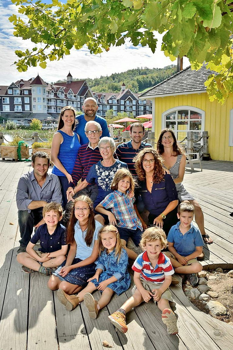 collingwood photographer blue mountain village family portraits